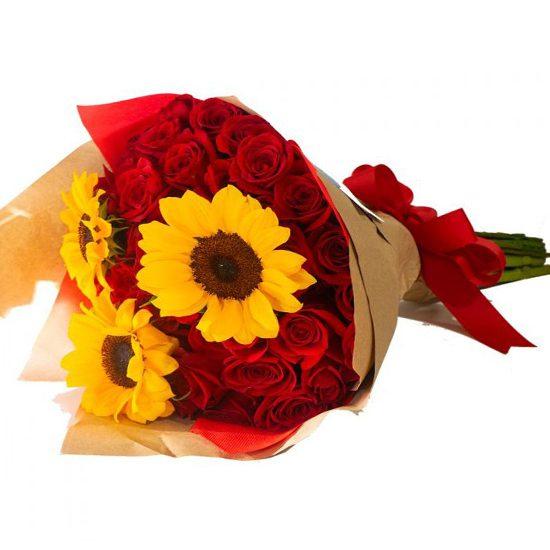 Ramo De 24 Rosas Rojas Y 3 Girasoles Floreria Briceida Obregon Sonora